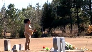 Oprah Winfrey pays her respects at grave site of Recy Taylor