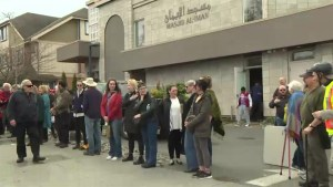 Show of support for Vancouver Island mosque