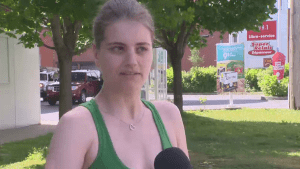 Montreal woman claims she was kicked out of Petro-Canada for not speaking French
