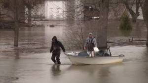 Army now ordering people to leave flooded Quebec homes