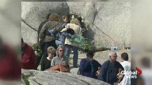 How the residents of Peggy's Cove helped in the Swissair aftermath