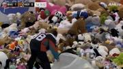 Play video: With over 34,000, Hershey Bears game sets 'Teddy Bear Toss' world record