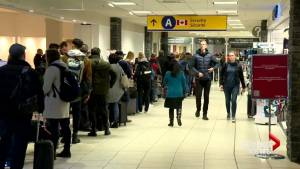 Travellers face long lines during YYC's busiest day of the holiday season (01:20)