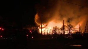 Massive fire rips through Mississauga construction site