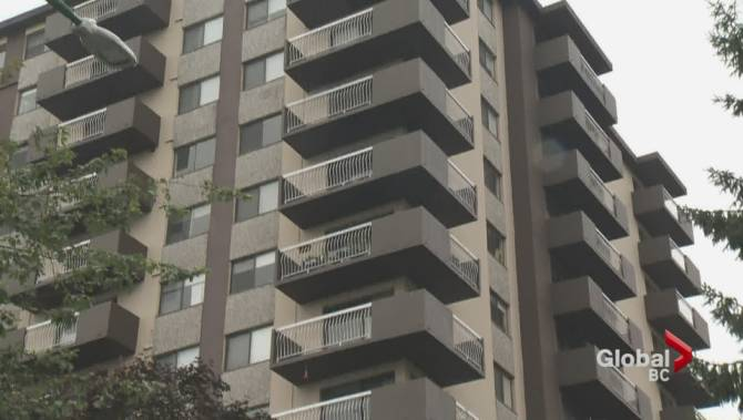 3 charged in alleged Burnaby kidnapping where suspect fell from upper balcony