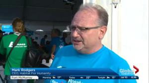 1,000 volunteers in hand at massive Habitat for Humanity build led by Former U.S. president Jimmy Carter in Edmonton