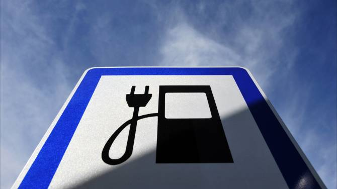 Electric Car Subsidies In Ontario And Quebec Costly And