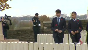 Trudeau pays respects to fallen soldiers in Vimy, France