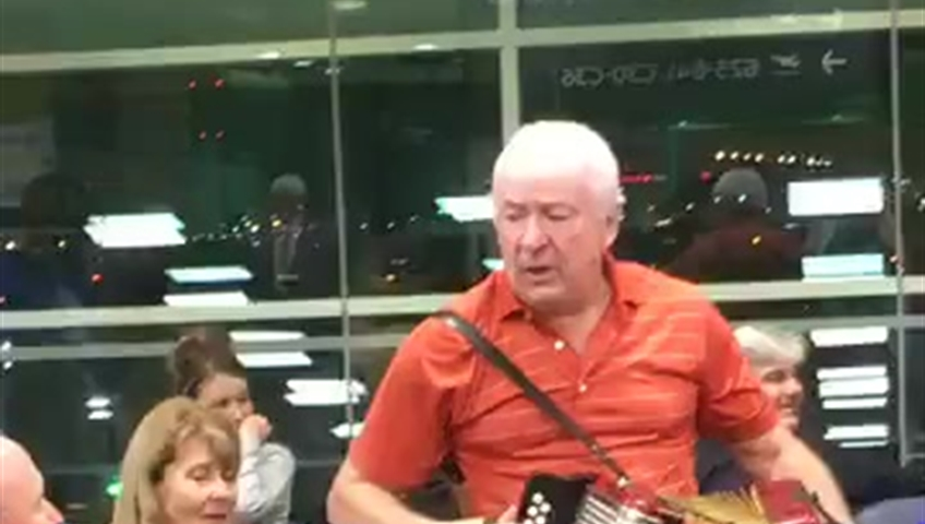 Delayed flight turns into Newfoundland kitchen party at Pearson International Airport