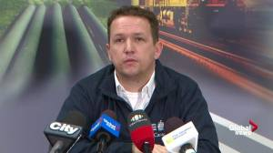 TSB discusses rain, wind and runway conditions during Air Canada Flight 623 runway excursion