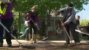 Quebec floods: Cleanup effort underway in Vaudreuil-sur-le-Lac