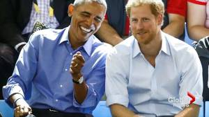Obama joins Prince Harry at Invictus Games (00:34)