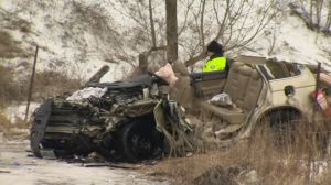 Head-on collision sends 5 to hospital in Toronto's north-east end
