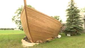 Winnipegger builds elaborate ship-shaped pool deck in Charleswood
