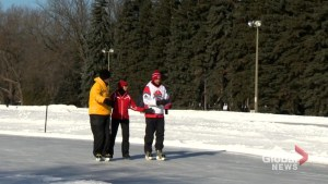 Man skates for over 19 hours on outdoor Montreal rink in support of Alzheimer's society