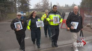 Paramedics help Calgarian commemorate his wife on zoo visit