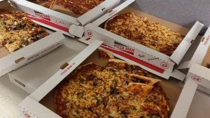U.S. air traffic controllers aren't getting paid – but Canadian colleagues sent pizza