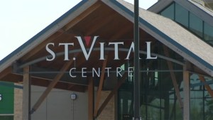 Woman stabbed with syringe at Winnipeg mall