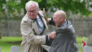 Kevin Vickers gets mixed reaction for tackling protester