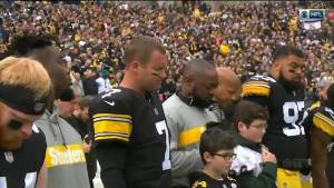 Pittsburgh Steelers hold moment of silence for victims of synagogue shooting