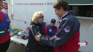 PM Trudeau meets with first responders, volunteers in Fort McMurray