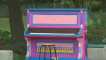 Pink public piano in Dorval strikes the right note with residents