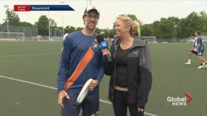 Royal de Montréal teach Kim how to play ultimate frisbee