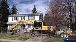 Demolition finally begins on flood damaged homes in Calgary