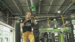 B.C.'s Julia Budd 'smokes' opponent