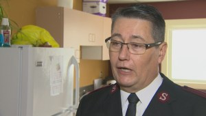 Chinese asylum seeker thanks Winnipeg's Salvation Army for keeping doors open as it reaches capacity