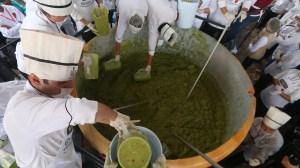 3-tonne guacamole made in Mexico breaks world record
