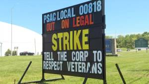 Day 2 of Commissionaires strike at CFB Kingston