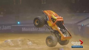 Crazy Monster Jam Truck Show tricks