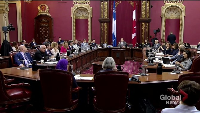 A third of Canadians in favour of banning officials from wearing religious symbols: poll