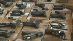 Debate over stricter gun laws in Canada between doctors, gun rights coalition