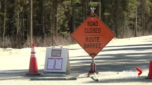 Grain from CP Rail train derailment concerning Banff National Park staff