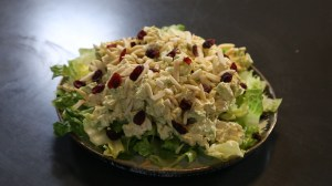 How to prepare curried chicken salad