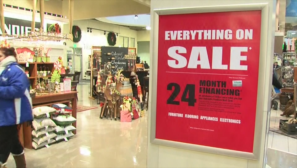 Local shoppers use late night Thanksgiving deals to buy for others
