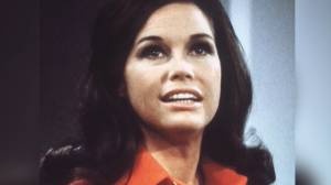 Mary Tyler Moore dead at 80