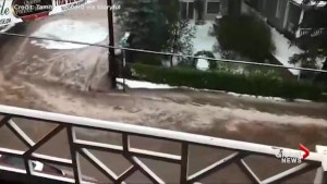 Flash floods in Colorado turns streets into rivers