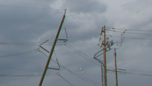 Temple homes evacuated after lightning strikes power pole