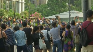 Crowds gather in Singapore as North Korean leader Kim Jong Un meets prime minister