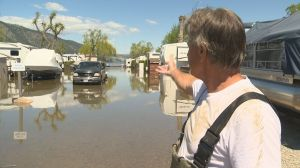 Water closing in on Okanagan neighbourhood between two lakes