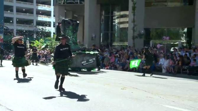 Hot Sunny Weather And Fireworks At 2015 Stampede Parade