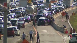 Fatal crash creates traffic chaos on Hwy. 401 in Toronto