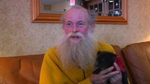 Good Samaritan sparks social media campaign for homeless man to stay in hotel