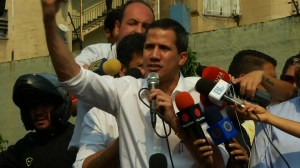 Guaido calls on Venezuelans, army to put pressure on Maduro