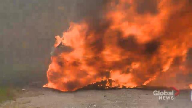 Audi SUV goes up in flames on Toronto highway minutes after being serviced | Globalnews.ca