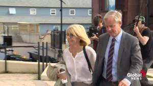 Dennis Oland enters Saint John court ahead of verdict
