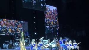 Humboldt Broncos honoured by Rod Stewart during Calgary concert